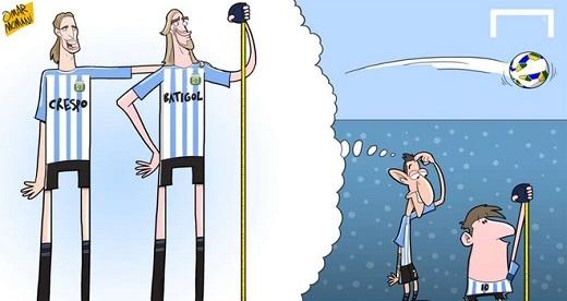 Di Maria cho rằng việc thiếu những cầu thủ cao lớn như Hernan Crespo hay Gabriel Batistuta trong quá khứ là lý do khiến tuyển Argentina thi đấu chưa thực sự hiệu quả. Tiền vệ này và Messi đều có chiều cao chưa đến 1,80 m.