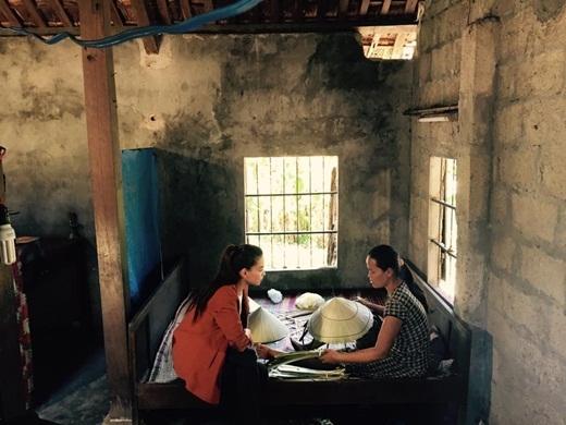 Hồ Ngọc Hà luôn giản dị và gần gũi trong mỗi chuyến đi từ thiện của mình. - Tin sao Viet - Tin tuc sao Viet - Scandal sao Viet - Tin tuc cua Sao - Tin cua Sao