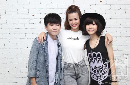 Cả 2 chia sẻ đã theo dõi Đông Nhi hơn 7 năm trên con đường sự nghiệp của nữ ca sĩ.