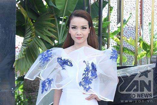 Yến Trang đảm nhận vai trò MC của chương trình Ngôi sao phương Nam. - Tin sao Viet - Tin tuc sao Viet - Scandal sao Viet - Tin tuc cua Sao - Tin cua Sao