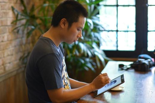 """""""Galaxy Tab A giúp mình có thể vẽ ở mọi nơi""""."""