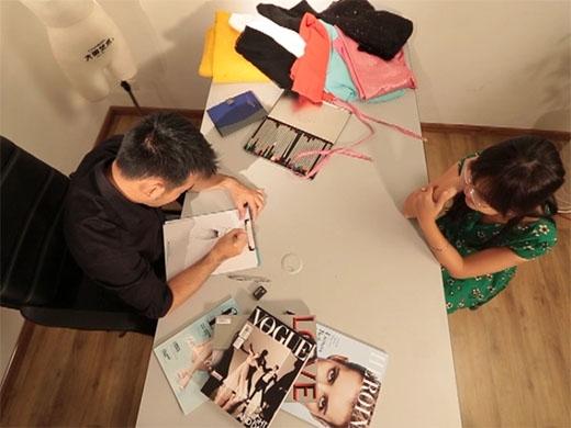 Anh sẽ đồng hành cùng Một Ngày Mới, mang lại cho Tiên một bộ trang phục được thiết kế riêng, giúp tôn lên vẻ đẹp hình thể và có thể tự tin tỏa sáng trong buổi hẹn hò của mình.