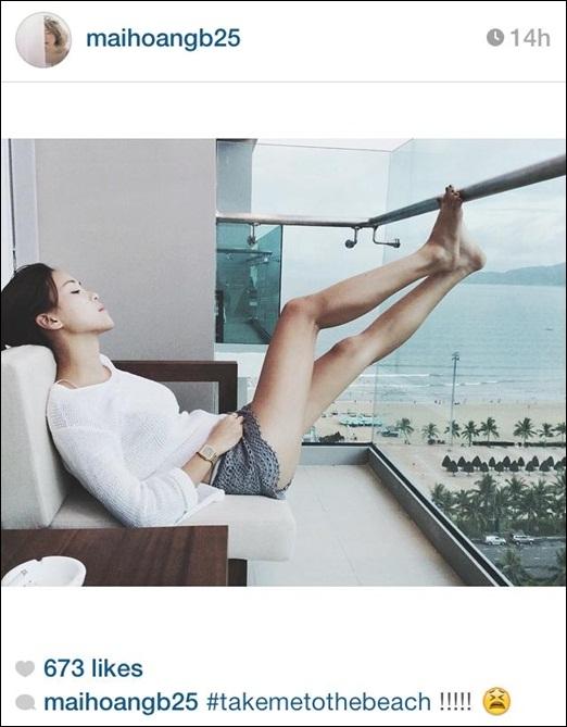Hot girlMai B có vẻ cũng giống nhưSun Ht khi phải chịu cái nắng khó chịu củaHà Nội.Có lẽ thời tiết này đi biển luôn là lựa chọn hoàn hảo đối với nhiều bạn trẻ.