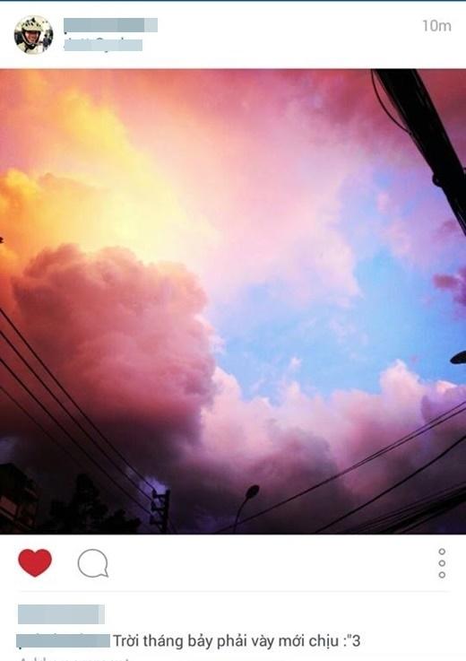Không chỉ 'tổng tấn công' trên mặt trận Facebook mà bầu trời 'ngàn năm có một' này còn tạo nên một làn sóng nhỏ trên Instagram.