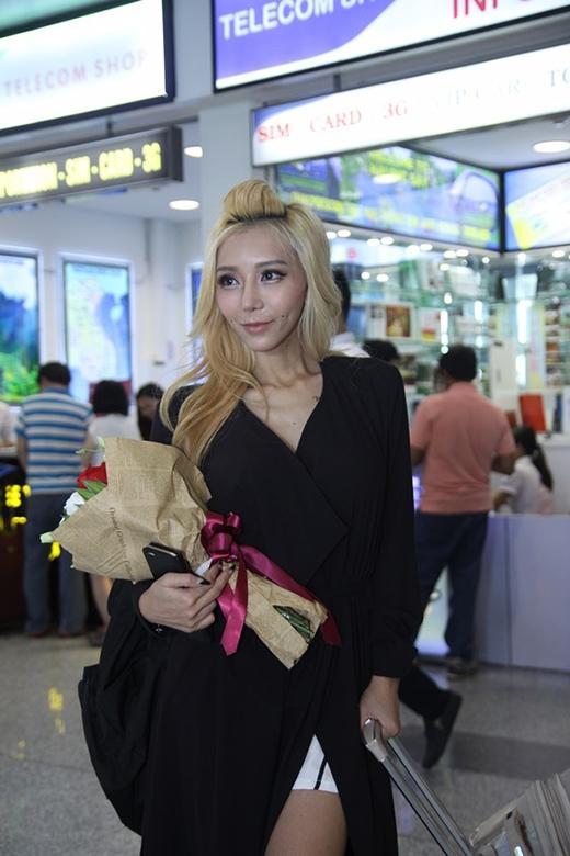 Tuy nhiên, không ít người lại giật mình với nhan sắc đời thường của Leng Yein.