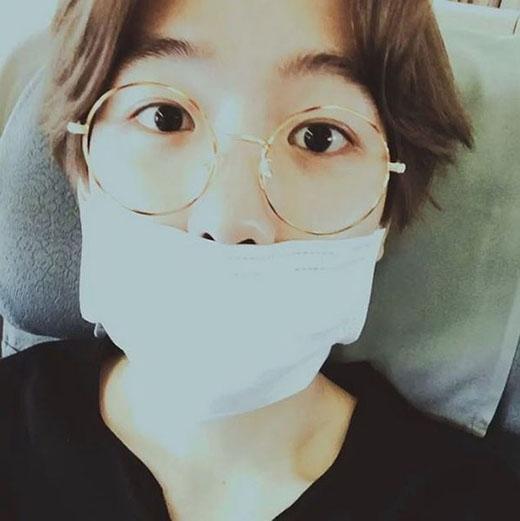 Baekhyun khoe hình và trải lòng tâm trạng cùng với fan.