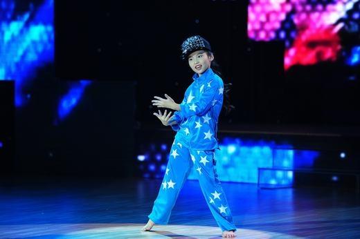 Thu Trang tự tin kết hợp nhảy hiện đại với dance-sport. - Tin sao Viet - Tin tuc sao Viet - Scandal sao Viet - Tin tuc cua Sao - Tin cua Sao