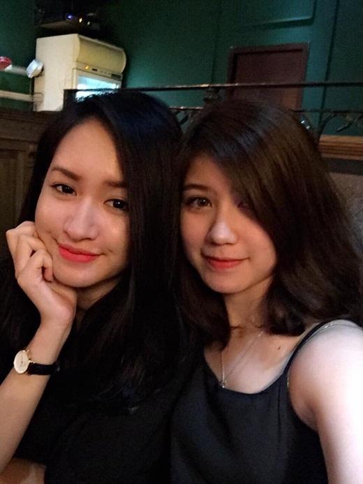 Hai hot girl Hà thành An Japan và Lê Vi 'hẹn hò' nhau ngày cuối tuần. Cả hai đều là những gương mặt mẫu teen đang nhận được rất nhiều sự yêu mến của đông đảo giới trẻ hiện nay. Ngoài đời, An Japan và Lê Vi cũng là những người bạn vô cùng thân thiết.