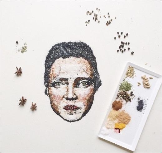 Ngoài ra, những bức tranh được cô sử dụng nguyên liệu thức ăn để vẽ cũng vô cùng độc đáo và sáng tạo.