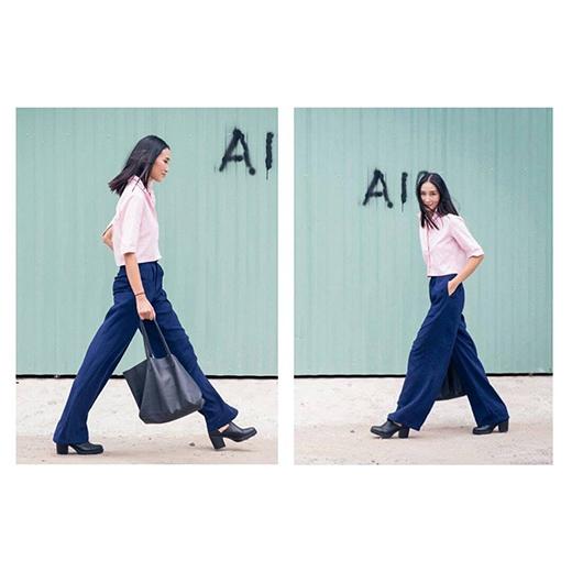 Trang Khiếu quay lại với phong cách menswear nhưng với hơi thở thời trang của những năm 1980.