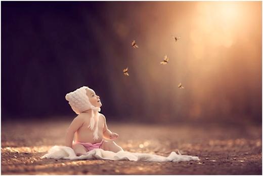 Sự trong sáng của trẻ thơ toát ra từ tấm hình chụp.
