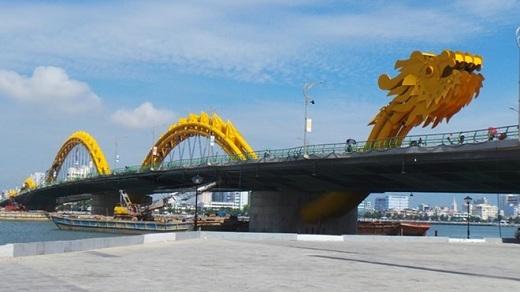 Cầu Rồng - cây cầu lọt top những cây cầu đẹp nhất thế giới.
