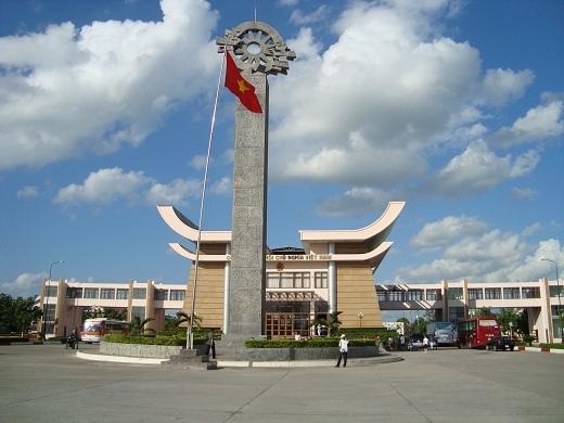 Cửa khẩu Mộc Bài sừng sững ở biên giới Việt Nam - Campuchia.