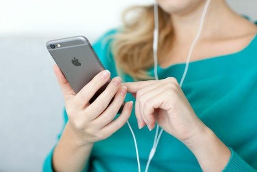 iPhone 16 GB tỏ ra lỗi thời trong thời đại nội dung số chất lượng cao hiện nay. Ảnh: Guidingtech