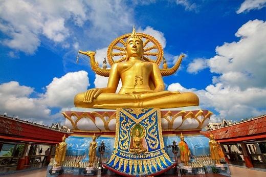 Tượng Phật khổng lồ thật sự là một địa điểm đáng ghé thăm.