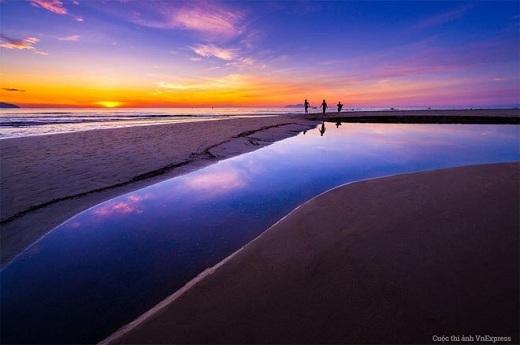 Một vẻ đẹp rất lộng lẫy nhưng cũng rất đỗi bình yên của biển Mỹ Khê, Đà Nẵng.