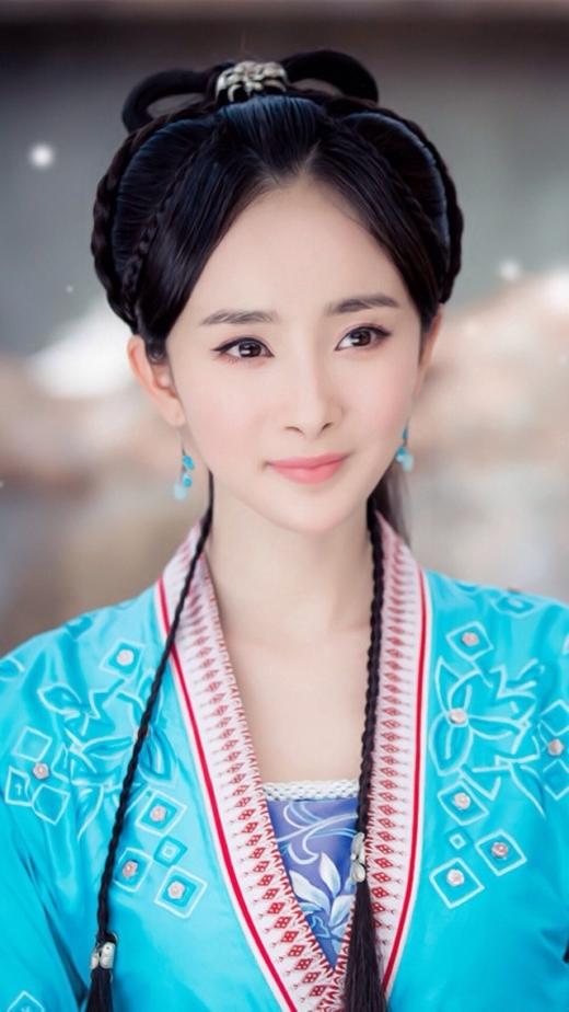 Có lẽ vì vậy mà tạo hình trong phim hiện đại của Dương Mịch đẹp hơn phim cổ trang rất nhiều.
