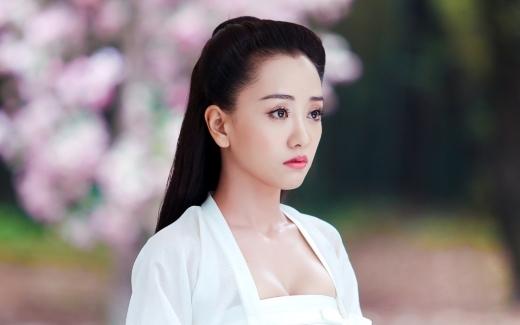 Dương Dung có ngũ quan rất tinh xảo, tính cách cũng rất tốt dù cô chỉ toàn đóng vai phản diện trên màn ảnh nhỏ.