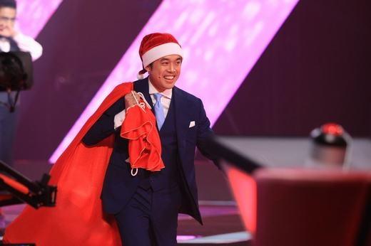 'Ông già Noel' Dương Khắc Linh khiến khán giả phấn khích trước sự đáng yêu và dễ thương của anh. - Tin sao Viet - Tin tuc sao Viet - Scandal sao Viet - Tin tuc cua Sao - Tin cua Sao