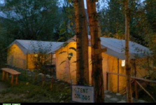 Khu trại lung linh khi về đêm
