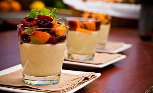Panna cotta trái cây vừa ngon miệng vừa tốt cho sức khỏe.
