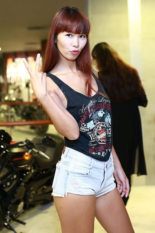 Siêu mẫu Hà Anh xuất hiện trẻ trung, năng động. - Tin sao Viet - Tin tuc sao Viet - Scandal sao Viet - Tin tuc cua Sao - Tin cua Sao