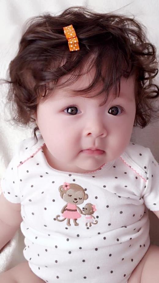 Mái tóc xoăn đặc trưng của công chúa nhà Elly Trần. - Tin sao Viet - Tin tuc sao Viet - Scandal sao Viet - Tin tuc cua Sao - Tin cua Sao