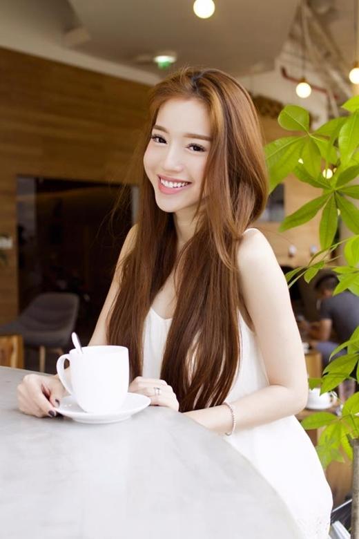 Sau khi sinh con, Elly Trần trông ngày càng xinh đẹp, mặn mà và đầy quyến rũ - Tin sao Viet - Tin tuc sao Viet - Scandal sao Viet - Tin tuc cua Sao - Tin cua Sao