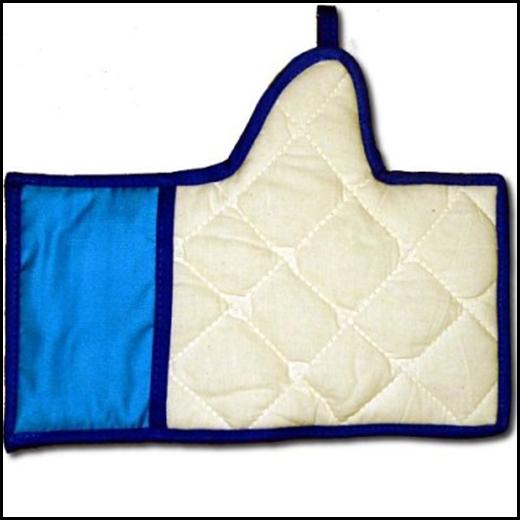 """Bao tay làm bếp mang biểu tượng """"Like"""" của Facebook."""