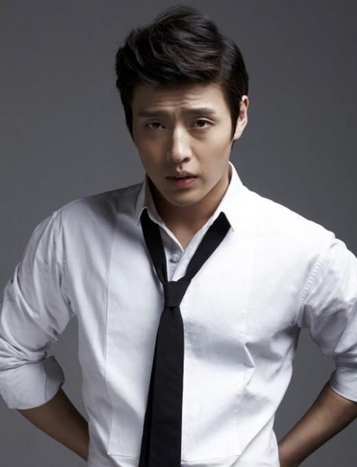 Kang Ha Neul đã luôn cố gắng để bản thân không lâm vào tình trạng 'đóng băng hình tượng'. Chỉ tính riêng trong năm 2014 và 2015, Kang Ha Neul đã thử sức nhiều thể loại phim khác nhau như: kinh dị, lịch sử cổ trang, hài, tình cảm và trong tương lai, khán giả vẫn luôn chờ mong anh sẽ còn đảm nhận nhiều vai diễn đa dạng khác nữa.