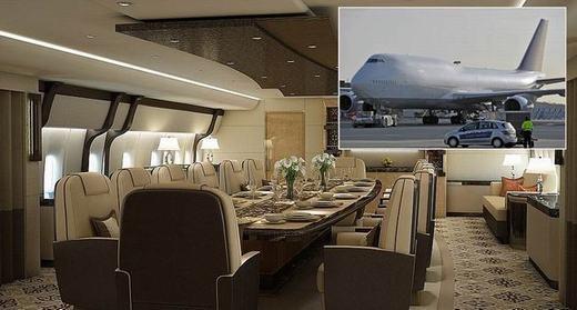 """""""Dinh thự trên bầu trời"""" này là của một tỉ phú người Anh. Ông đã bỏ 400 triệu Bảng mua chiếc Boeing 747 và về sửa chữa lại."""