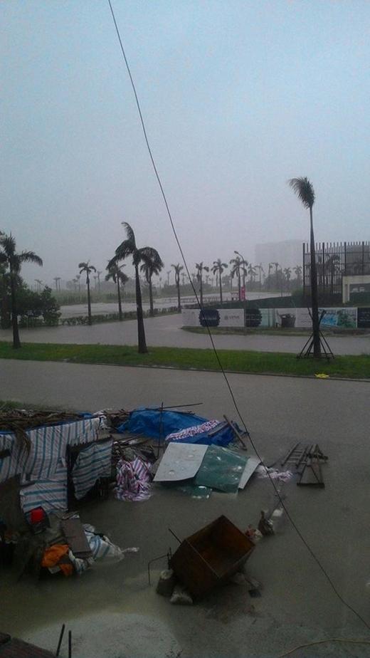 Hiện mưa lũ vẫn còn diễn ra nên người dân đang rất lo lắng.