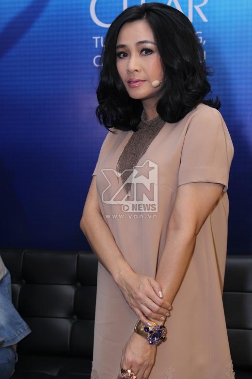 Giám khảo khách mời Thanh Lam xuất hiện với hình ảnh sang trọng. - Tin sao Viet - Tin tuc sao Viet - Scandal sao Viet - Tin tuc cua Sao - Tin cua Sao