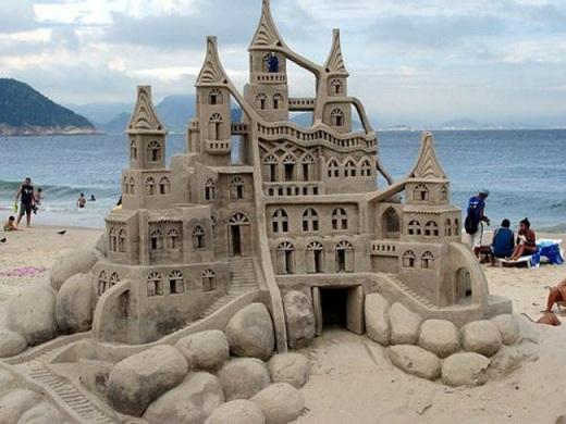 Lâu đài cát này là một điển hình tuyệt vời của sự phản trọng lực.