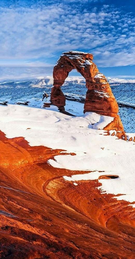 Arches là một công viên quốc gia nổi tiếng nằm trong tiểu bang Utah, cách Salt Lake City khoảng 370km.