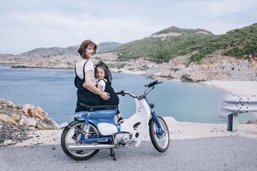 """Bàmẹ đơn thân9X chia sẻ: """"Ye Jin sống rất tình cảm. Dù còn nhỏ, nhưng YeJin đã tỏ ra là đứa trẻ rất hiểu chuyện""""."""