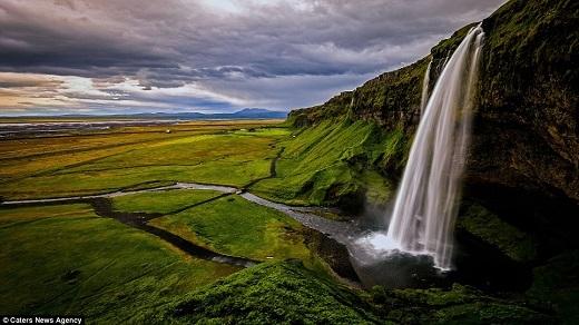 Iceland không hề thiếu những thác nước đẹp nhất thế giới.