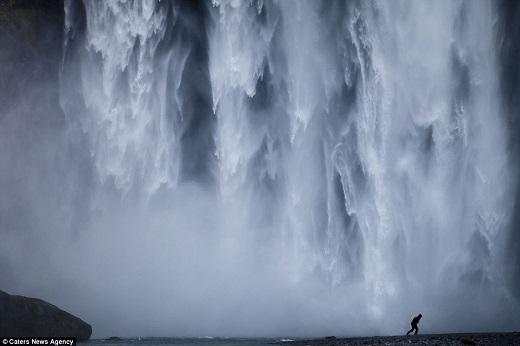 Nằm ở khu vực sông Skjalfandafljot, thác Godafoss là một diểm dừng chân nổi tiếng ở đông bắc Iceland.