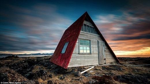 Tính đến nay, nhiếp ảnh gia người Bỉ đã du lịch đến Iceland tổng cộng bảy lần.