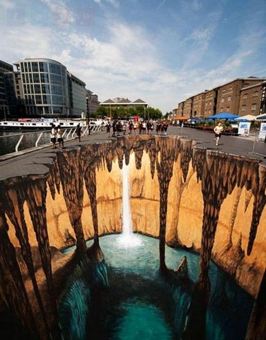 Những bức tranh 3D đường phố không phải là một điều khác lạ ở những thành phố châu Âu hoặc châu Mỹ.