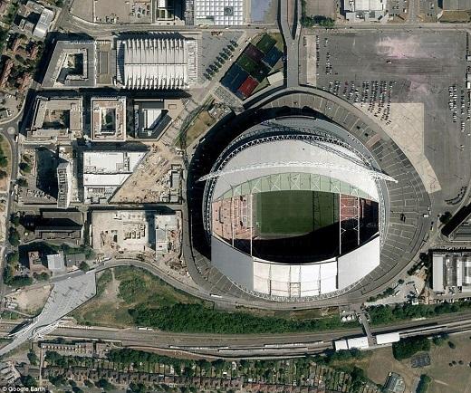 Với 90.000 chỗ ngồi, Wembley là sân vận động có sức chứa lớn thứ 2 tại châu Âu.