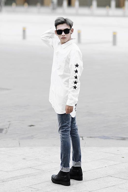 Dương Minh Tuấn cũng thường xuyên xuất hiện trong những bộ ảnh thời trang cho giới trẻ với lợi thế gương mặt điển trai cùng chiều cao khá ổn.