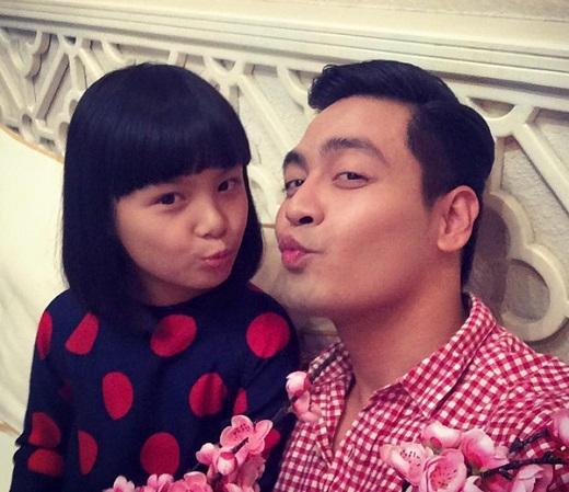 Ông bố 3 con - Phan Anh chu môi gợi cảm bên con gái yêu khiến fan phấn khích. - Tin sao Viet - Tin tuc sao Viet - Scandal sao Viet - Tin tuc cua Sao - Tin cua Sao
