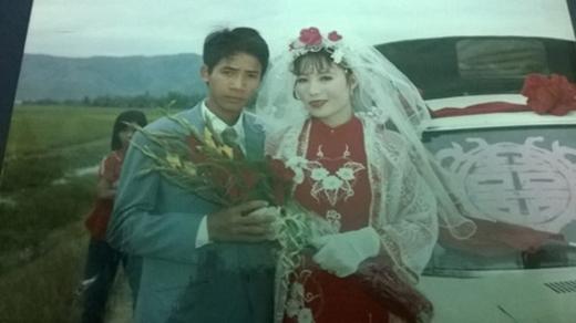 Bạn Minh Thương tự hào: '25 năm ba mẹ sống hạnh phúc, và cứ hạnh phúc như thế nha ba mẹ'.
