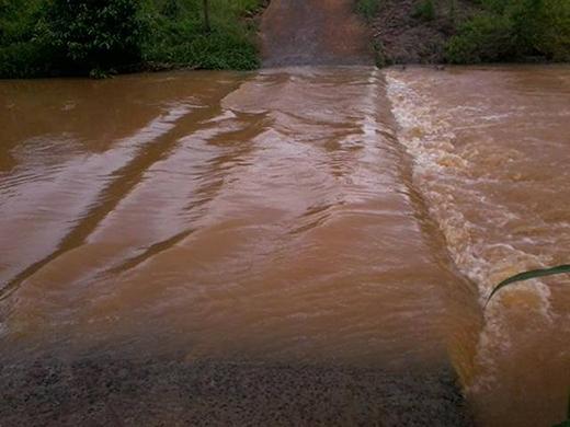 Hình ảnh về mưa lũ tại một số nơi ở miền Bắc.