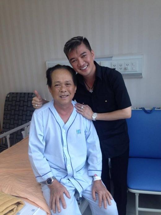 Đàm Vĩnh Hưng đã dành thời gian đến thăm bố của Tuấn Hưng khi ông còn nằm trong viện tại TP HCM. - Tin sao Viet - Tin tuc sao Viet - Scandal sao Viet - Tin tuc cua Sao - Tin cua Sao