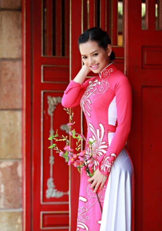 Nữ diễn viên từng đạt giải xuất sắc tiếng hát tỉnh Bến Tre năm 2002. - Tin sao Viet - Tin tuc sao Viet - Scandal sao Viet - Tin tuc cua Sao - Tin cua Sao