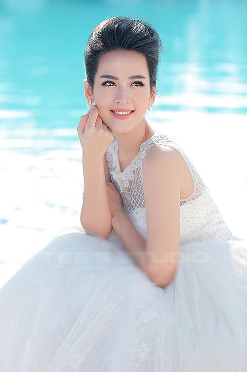 Nữ diễn viên trẻ ngày càng được nhiều người yêu mến bởi vẻ đẹp rạng ngời. - Tin sao Viet - Tin tuc sao Viet - Scandal sao Viet - Tin tuc cua Sao - Tin cua Sao