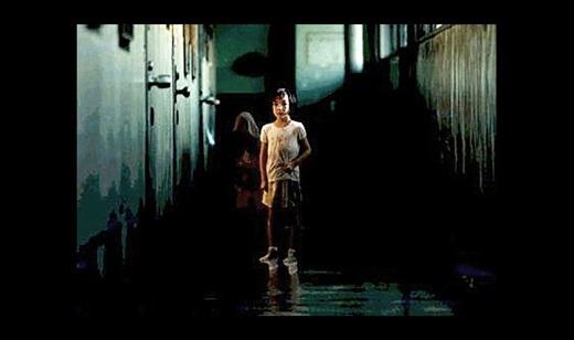 Phim kinh dị Dark Water.