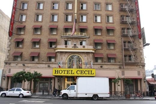 Khách sạn Cecil, nơi xảy ra nhiều bí ẩn không thể lí giải.